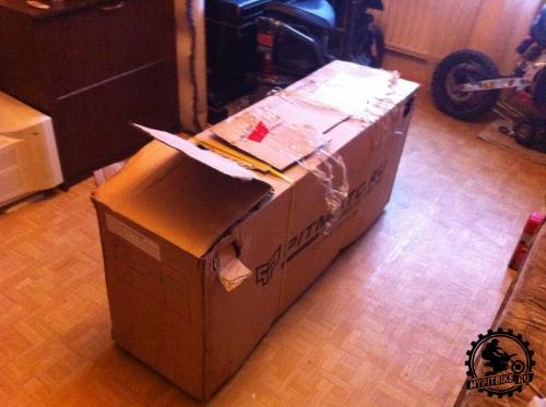 коробка с питбайком